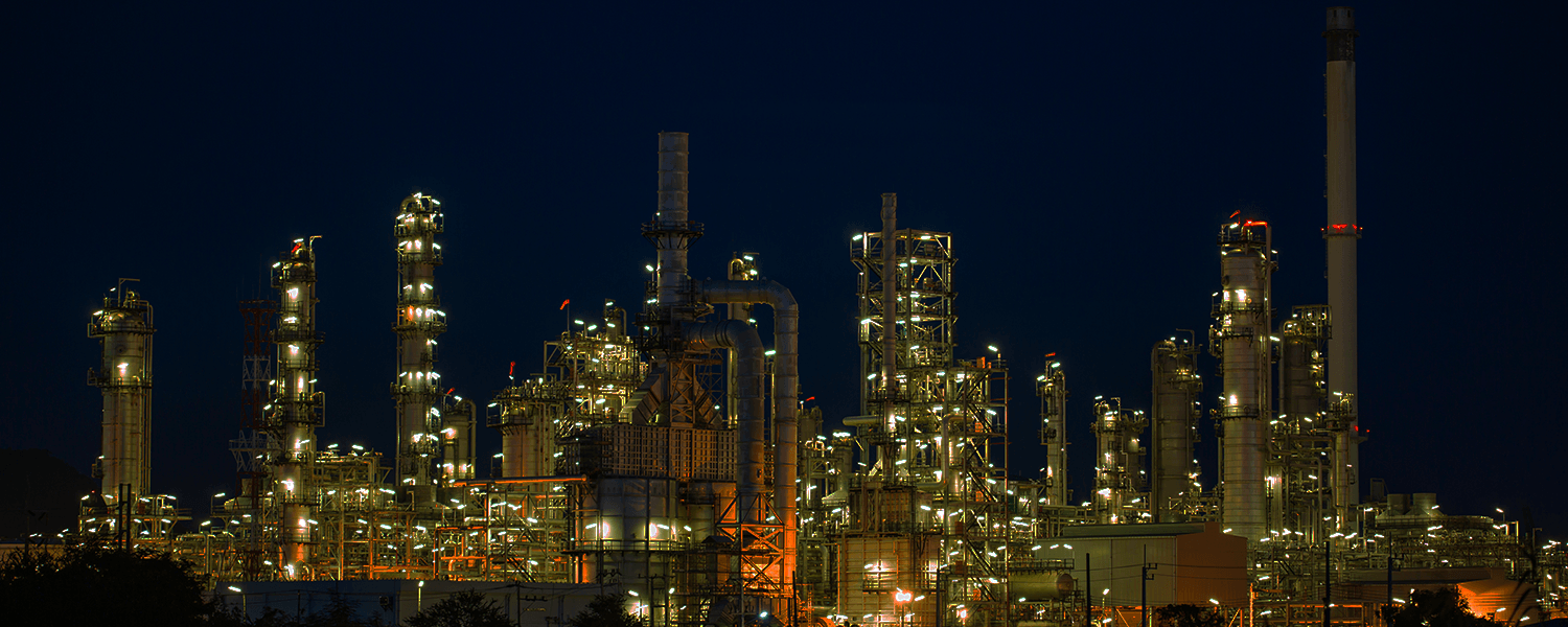 Oil refinery image